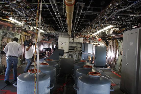 İSTANBUL'A İNEN AIRBUS A380'İN İÇİNDEN GÖRÜNTÜLER