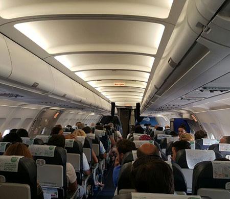Onur Air uçağı Antalya'ya acil iniş yaptı