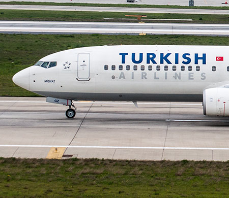 Atatürk Havalimanı'nda hava trafiğine yağmur engeli