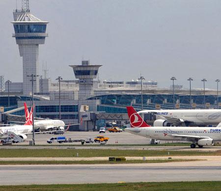 Atatürk Havalimanı'nda pilottan kuleye 'kamyon' uyarısı