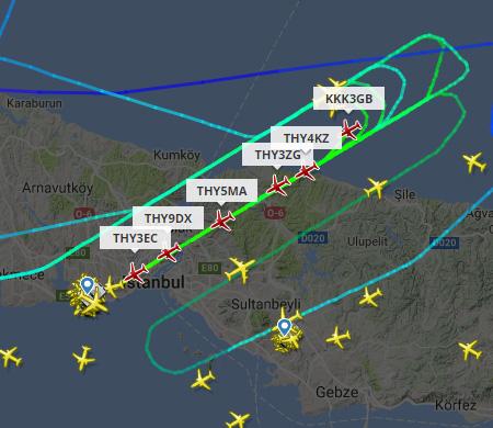 Atatürk Havalimanı'na inecek uçaklar havada tur atıyor