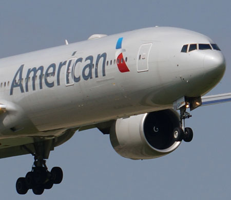 Yolcusu gaz çıkaran uçak zorunlu iniş yaptı