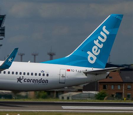 Corendon'un Amsterdam uçağı Antalya'ya acil iniş yaptı