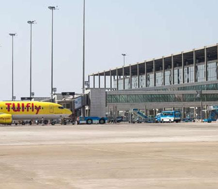 Dalaman Havalimanı'nda yangın paniği