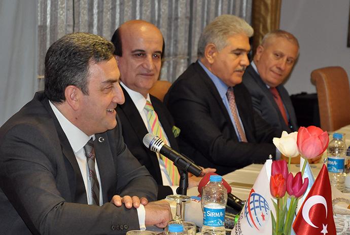 DHMİ Genel Müdürü Serdar H. Yıldırım, İstanbul'da gazetecilerle bir arya gelerek gündeme dair önemli açıklamalarda bulundu.