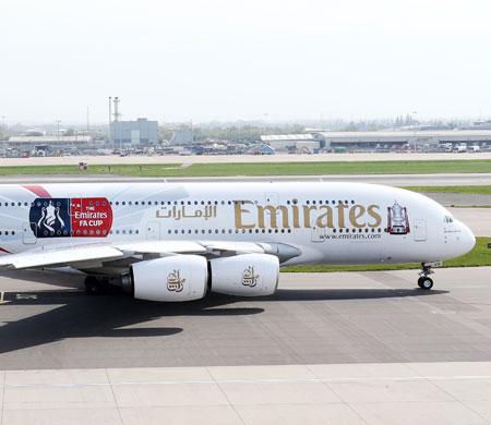 Emirates dev organizasyon için sözleşme uzattı
