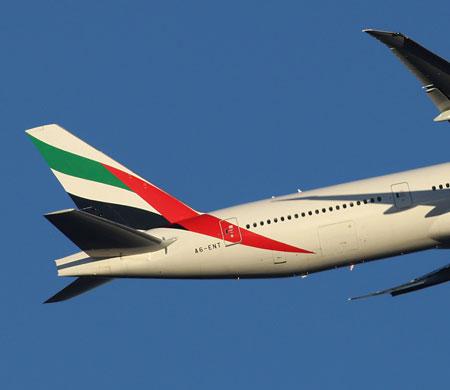 Kadın yolcu Emirates uçağında hayatını kaybetti