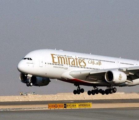 Emirates 80'inci A380'ini teslim aldı