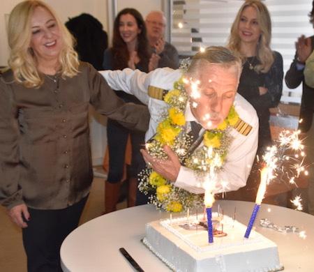Nejat Evitan 42 yıllık pilotluğa veda etti