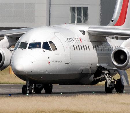 Air France uçağının motoru yandı