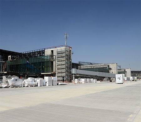 3. havalimanında köprü montajı başladı