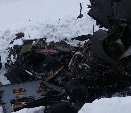 Helikopter kazasında 12 kişi şehit oldu