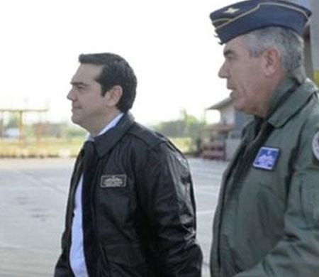 Yunanistan Başbakanı Çipras F-16 ile Ege'de uçtu