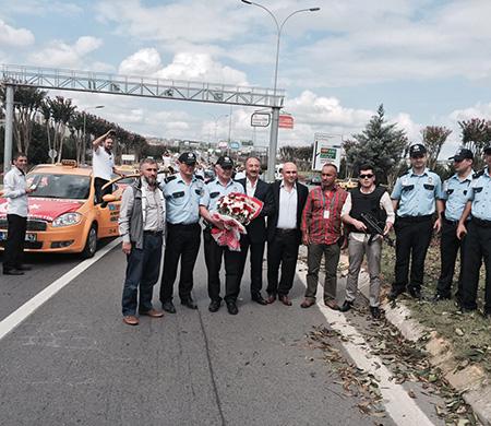 Sabiha Gökçen taksicileri teröre karşı bir araya geldi