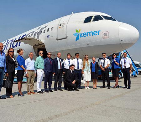 Kemer logolu uçak ilk uçuşunu yaptı