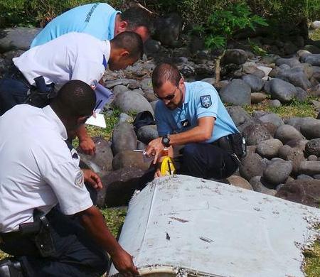 Uçak enkazı Malezya uçağına ait