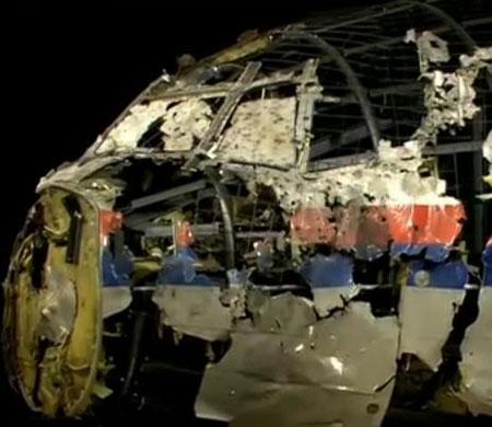 MH17 parçaları birleştirildi; rapor canlı yayında açıklanıyor;