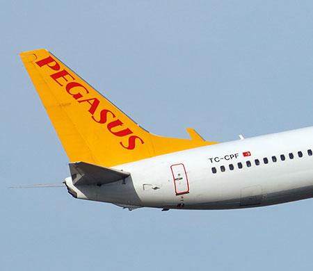 Pegasus uçağı Sabiha Gökçen'i iki kez pas geçti