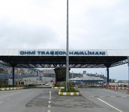 Uçaklar Trabzon'a inemiyor