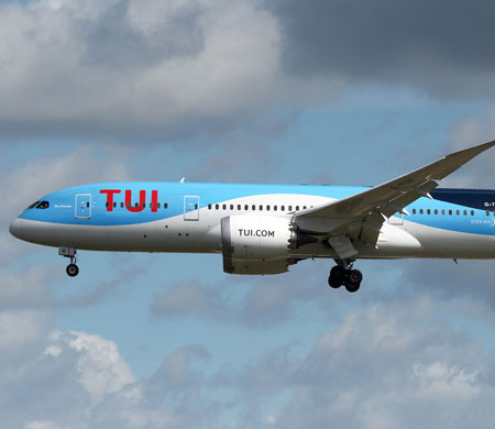 Londra-Antalya uçağı İtalya'ya divert etti!