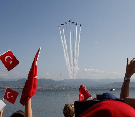 Türk Yıldızları 12 yıl aradan sonra Ordu'da uçacak